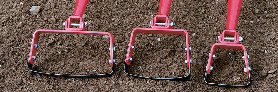 Three sizes of stirrup hoes.