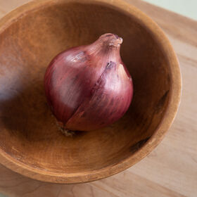 Red Rock Full-Size Onions