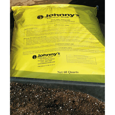 Johnny's 512 Mix – 60 Qt. Soilless Growing Mixes