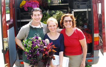 Robin Hollow Farm uses sustainable and organic methods to supply local CSA customers and seasonal farmers' markets.