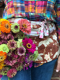 The farmer-florist/artist couple Andrea & Lou Gagnon hold master's workshops at LynnVale Studios