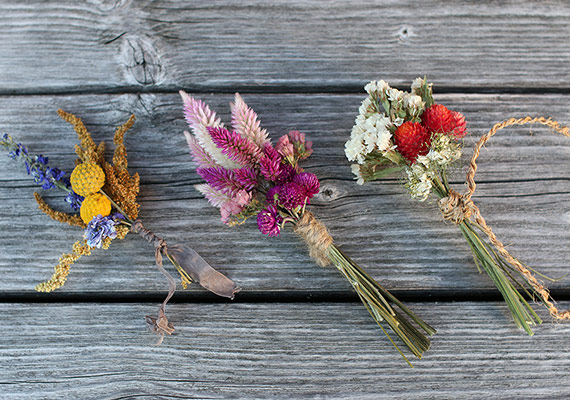 Dainty hand bouquets & nosegays