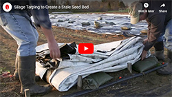 How to use and fold a silage tarp for occultation