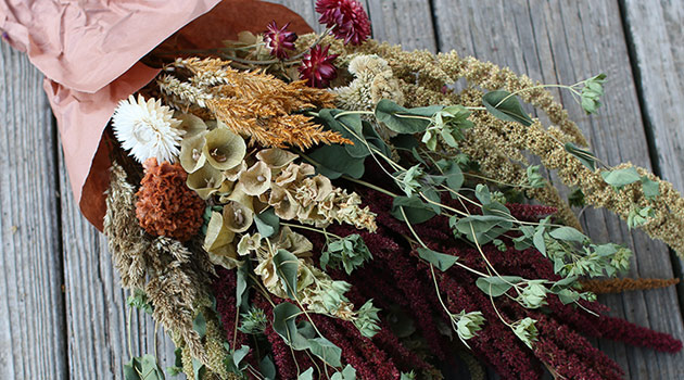 Easy Guide to Air Drying Flowers